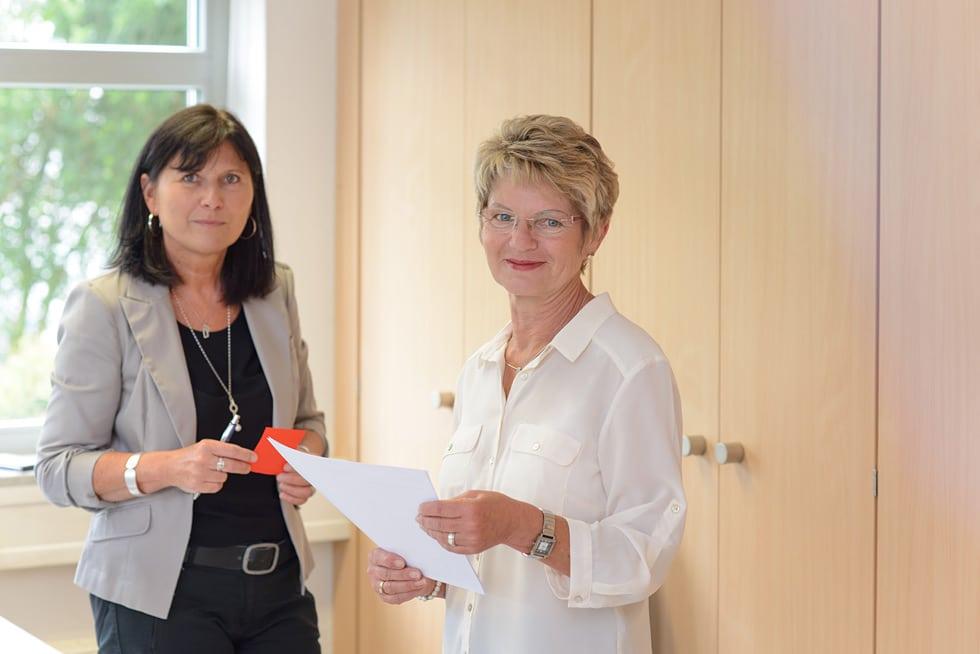 Ihr Steuerberater in Frankfurt und Weinheim: Steuerfachangestellte für Lohn und Gehalt bei Kurka Marion Schön und Martha Reinhard sind Ansprechpartner in Sachen Personalberatung
