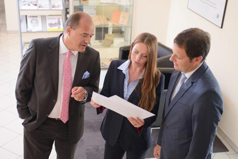 Ihr Steuerberater in Frankfurt und Weinheim: Besprechung der Partner Radtke, Rittersbacher und Schiele