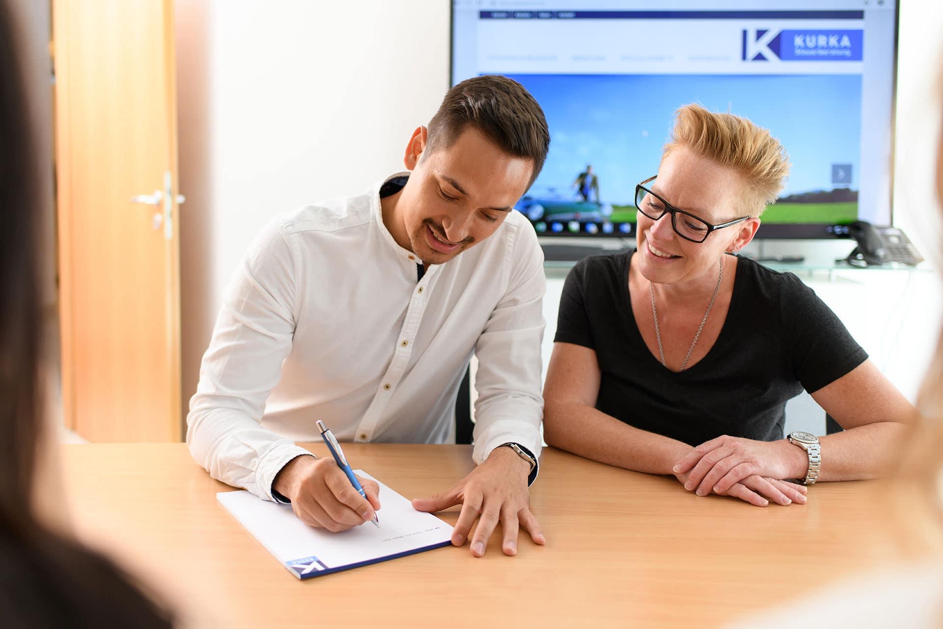 Ihr Steuerberater in Frankfurt und Weinheim: Bilanzbuchhalter bei Kurka Heike Reinhard-Frank und Betriebswirt Jens Hocke
