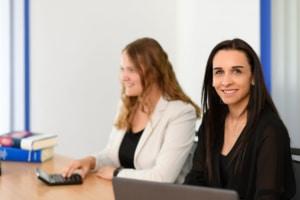Ihr Steuerberater in Frankfurt und Weinheim: Steuerfachangestellte bei Kurka Jessica Paul und Dilara Gücüyener