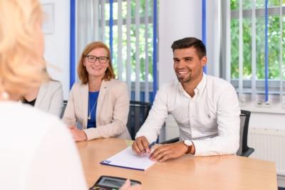 Ihr Steuerberater in Frankfurt und Weinheim: Finanzbuchhalter bei Kurka Dennis Veloso-Silva und Steuerfachwirt Kirsten Shelley